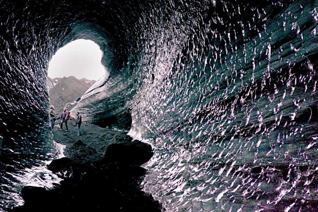 Island Eishöhle Besucher